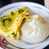 台中駅近く、行列のできる朝食屋さん「天津苟不理湯包」