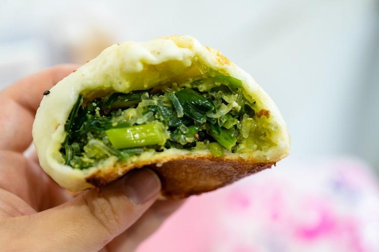 韮菜包(ニラまん)は、ほぼニラ